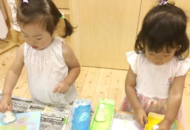 保育園で遊ぶ子ども